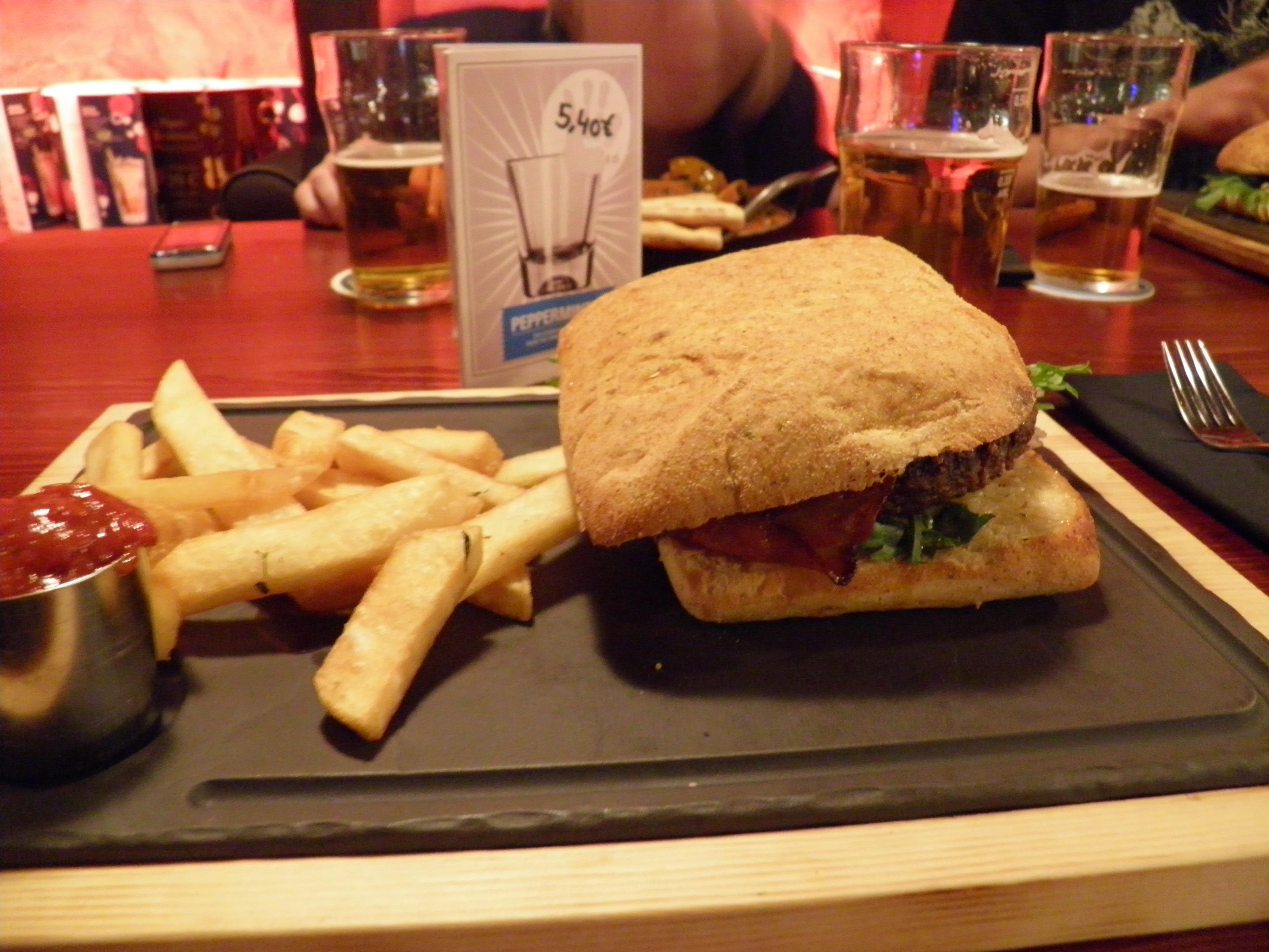 Stone's beer & burgers, Helsinki: Stone's burger
