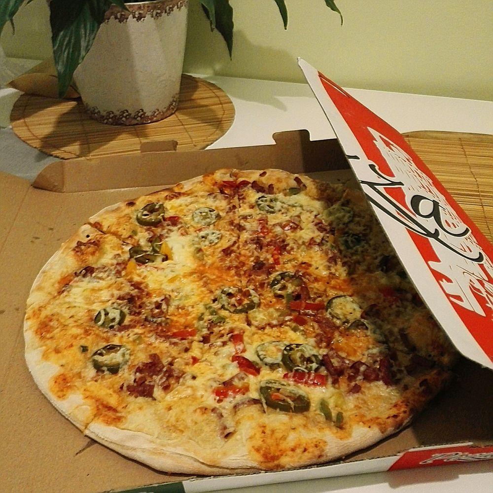 Ravintola Saba, Helsinki: Pizza iso (Mexicana oli muistaakseni tämä)