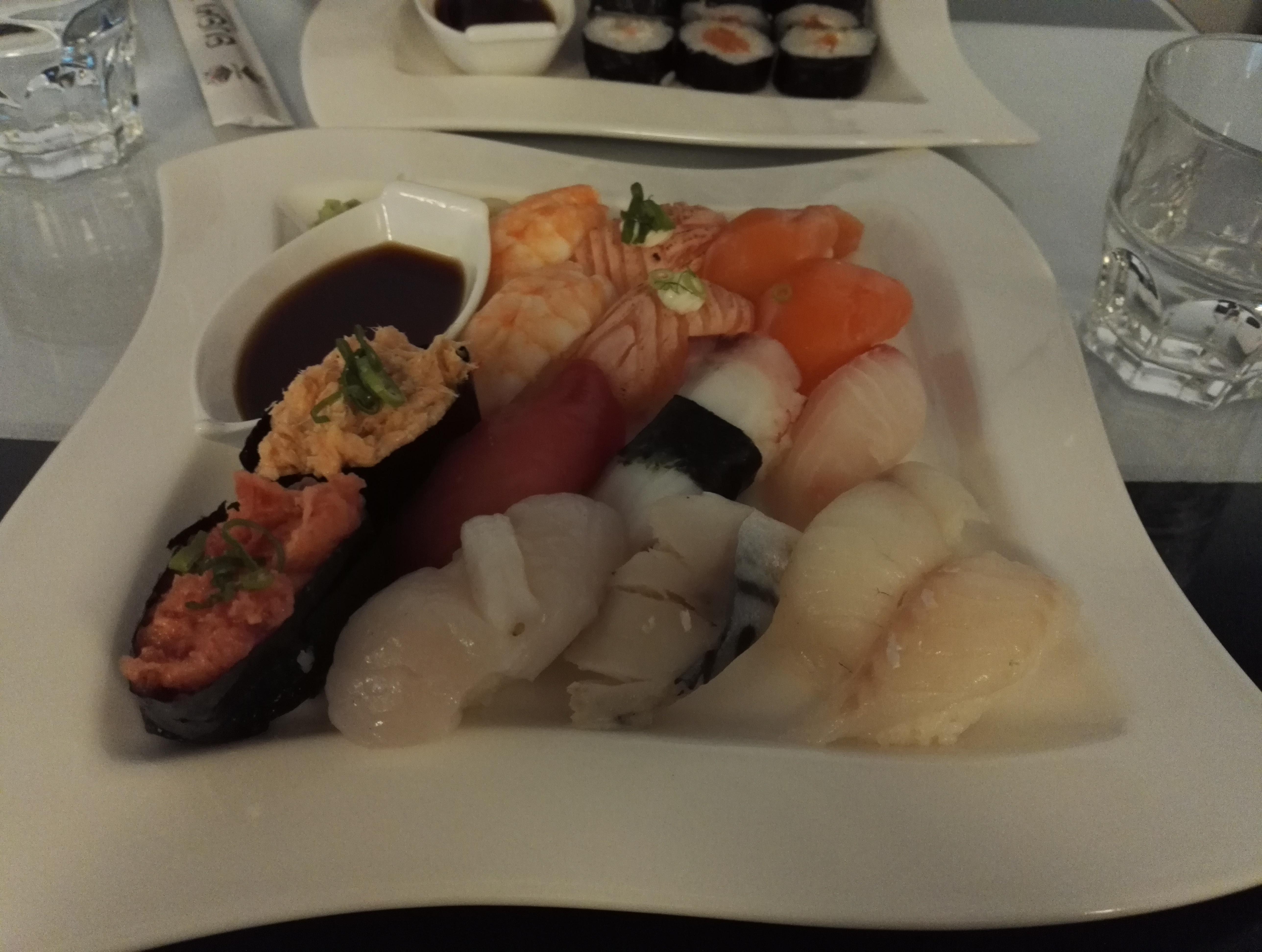 LN-Sushi Art, Espoo: Joku lounas nigiri-annos
