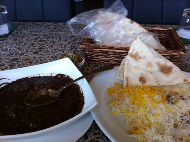 Persian Ravintola, Espoo: Persialainen pata ja muovipussileivät