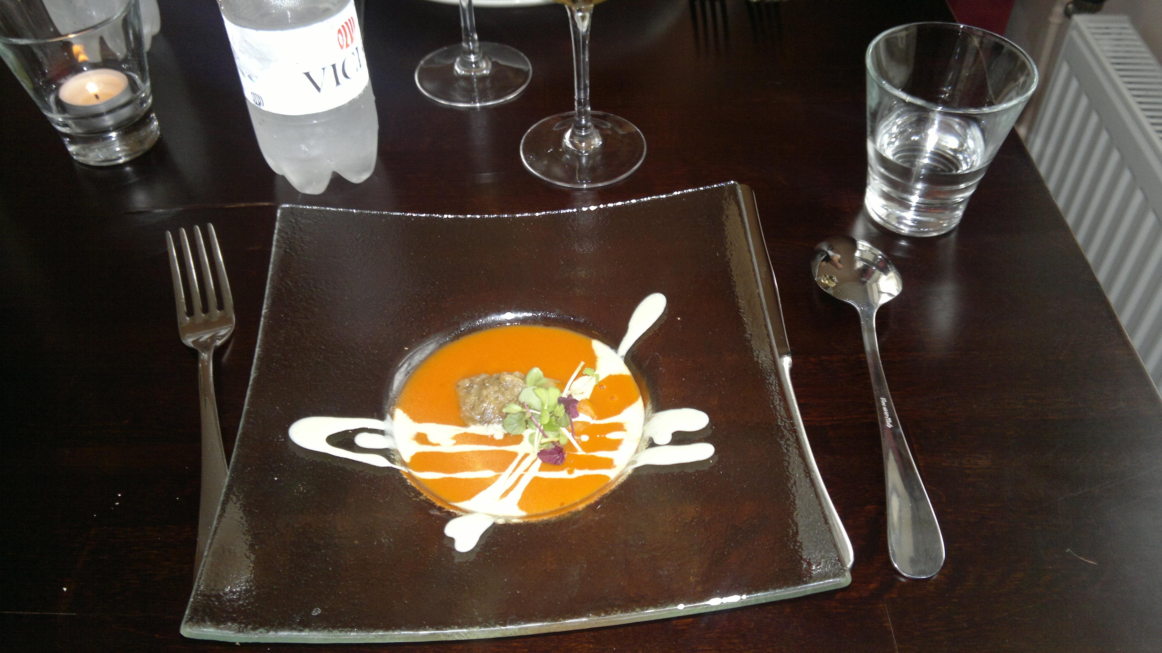 Ravintola Sunn, Helsinki: Kylmä tomaattikeitto
