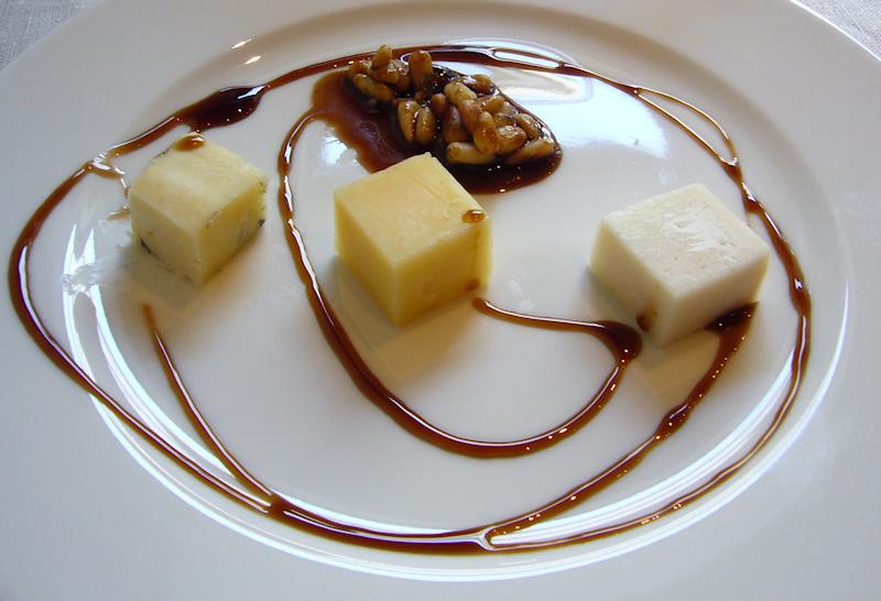 Flada 13, Helsinki: Kotimainen juustolautanen