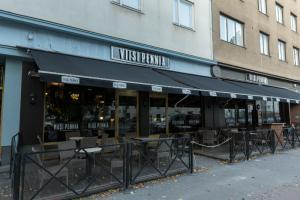 Viisi Penniä, Helsinki