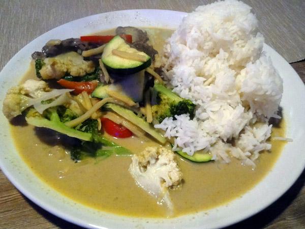 Thai Food, Espoo: 50. Gäng Kiowan Nüa, Härkää vihreällä currylla