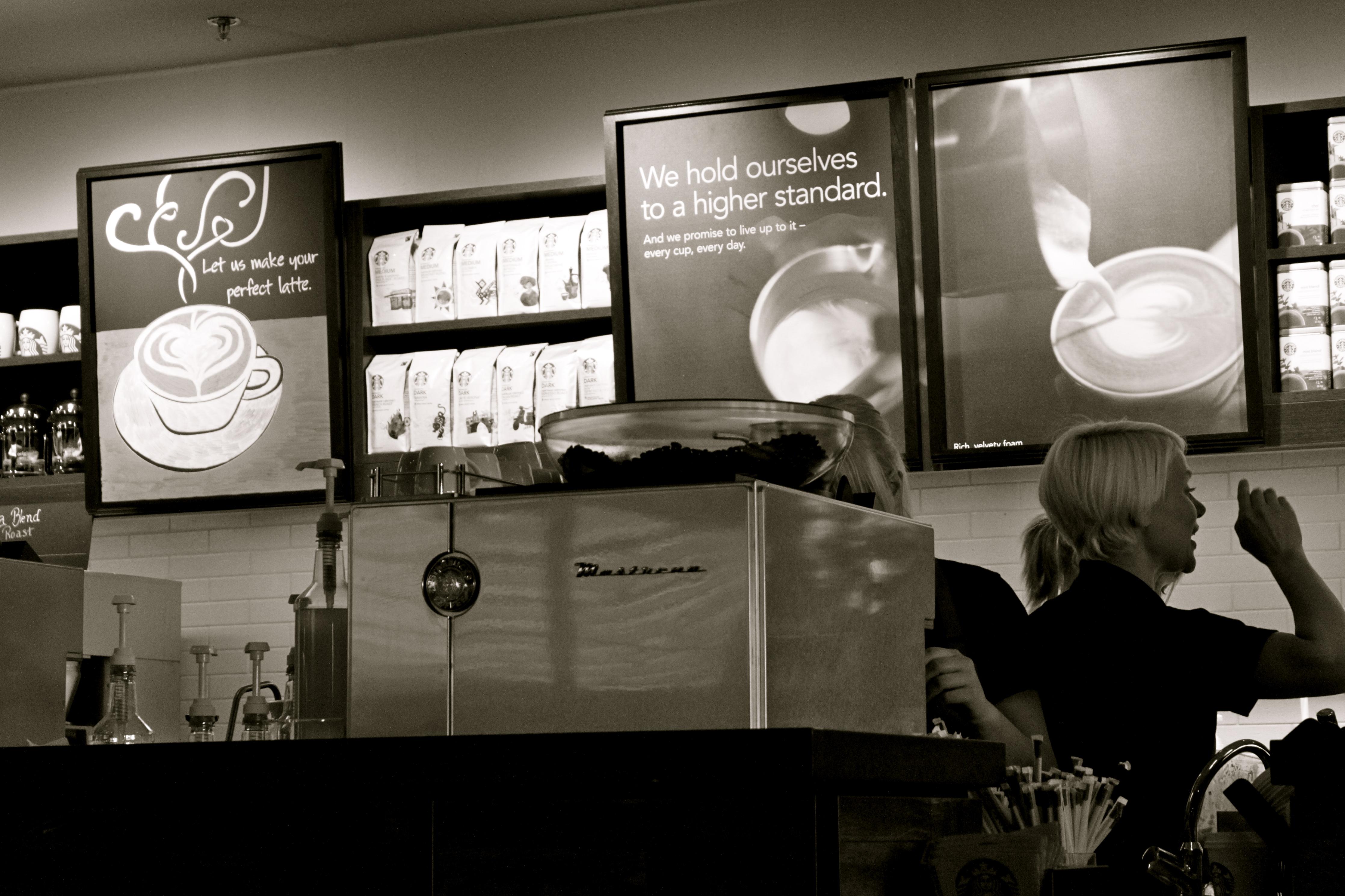 Starbucks, Vantaa: Kahvia saa myös vastajauhettuna mukaan