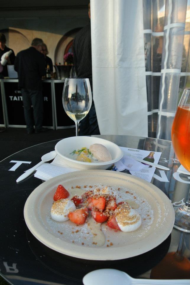 Taste of Helsinki, Helsingfors: Farang: jälkkäri & Bistr-O-Mat: mansikat & marenki