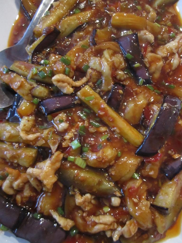 Mei Lin Chinese Restaurant, Helsinki: Possua ja munakoisoa
