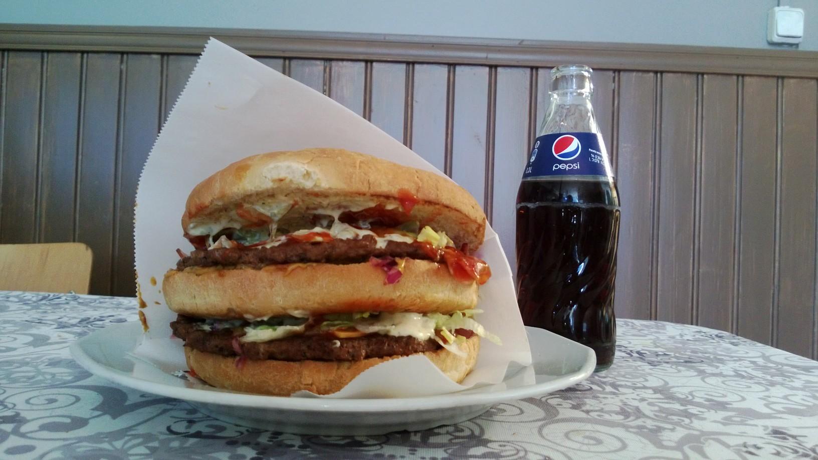 Vienna Pizza & Burger, Oulu: Kokoa löytyy.