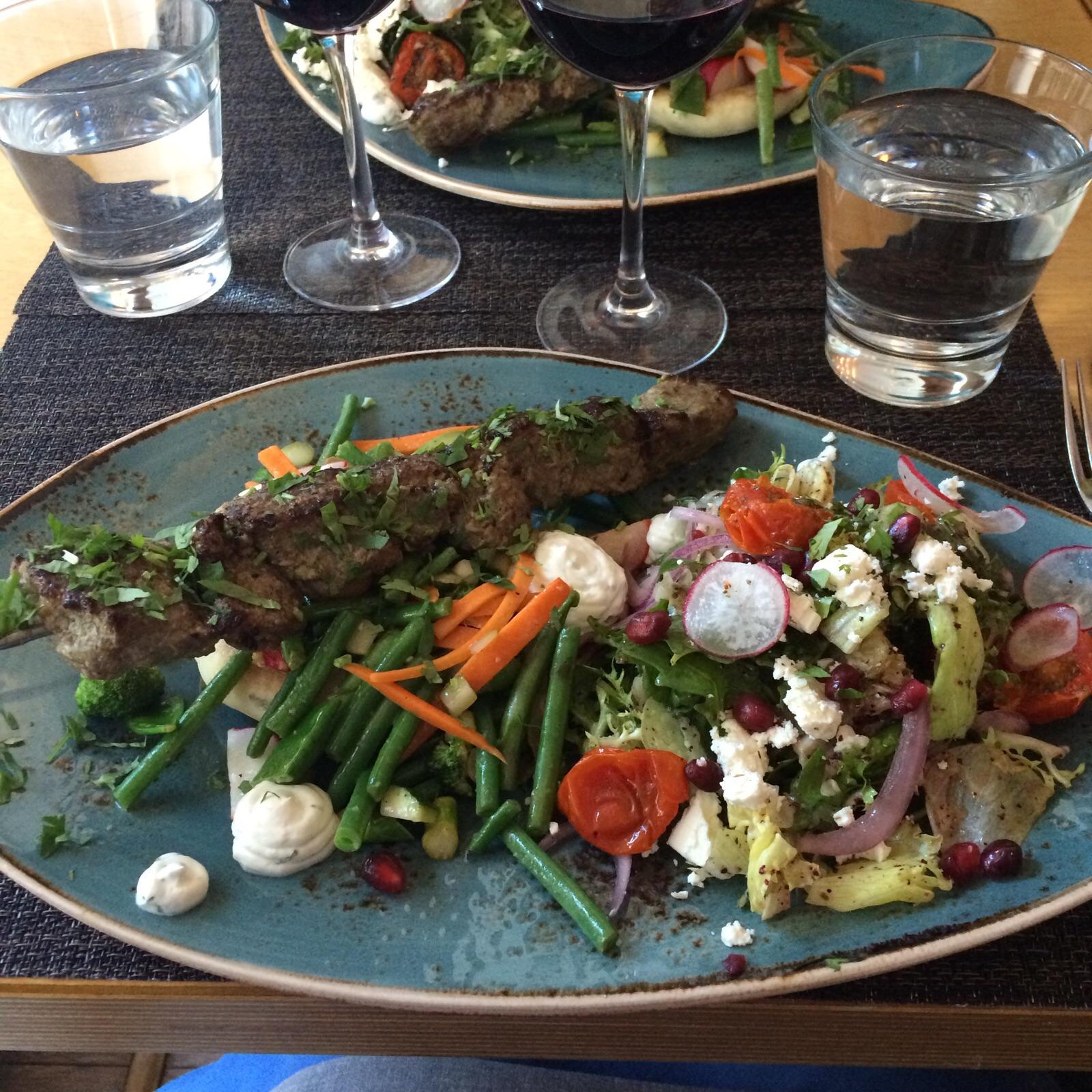 Krog Madame, Helsinki: Lammasta, pitaa, fetasalaattia ja kasviksia