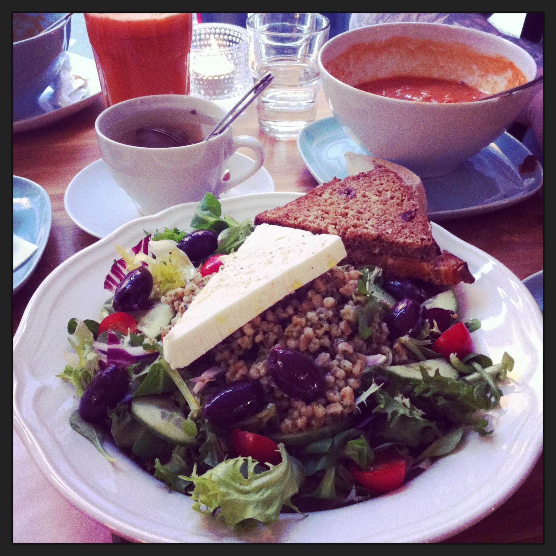 Cafe Kuppi&Muffini, Helsingfors: Spelt and feta cheese salad