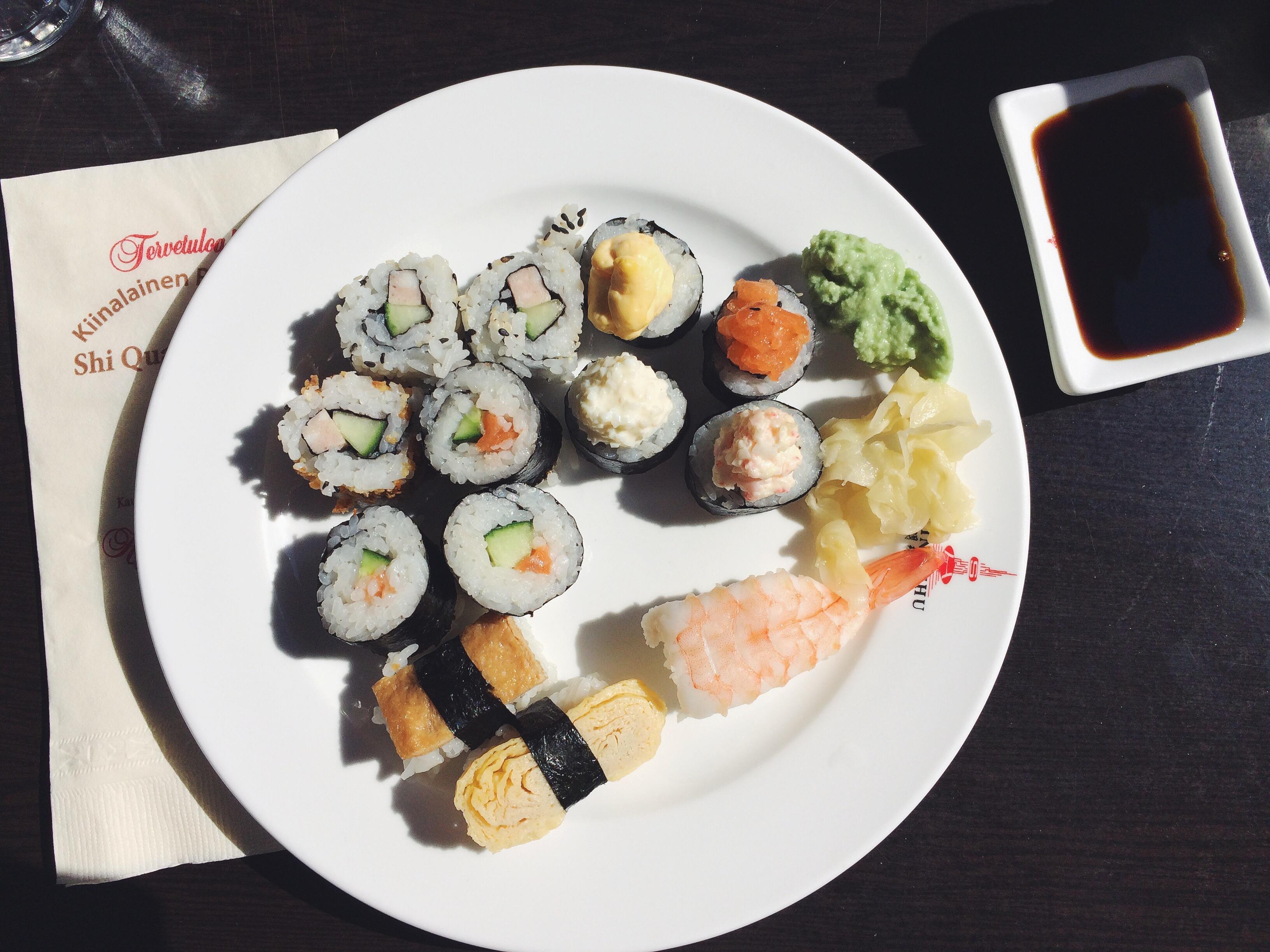 Kiinalainen ravintola Shi Quan Shi Mei, Seinäjoki: Noutopöydän sushit