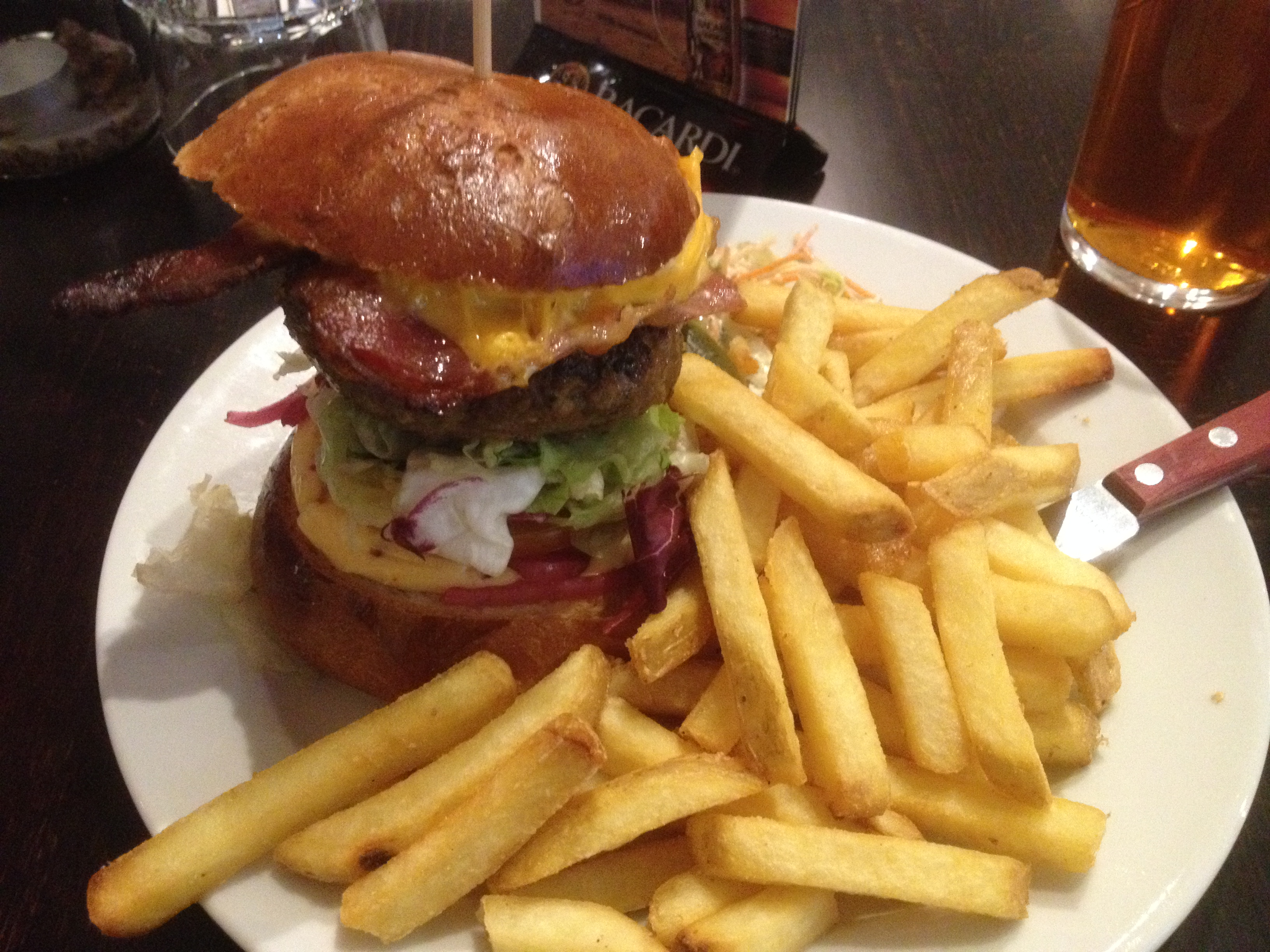 Funky Burger, Espoo: Yhden pihvin Funky Burger