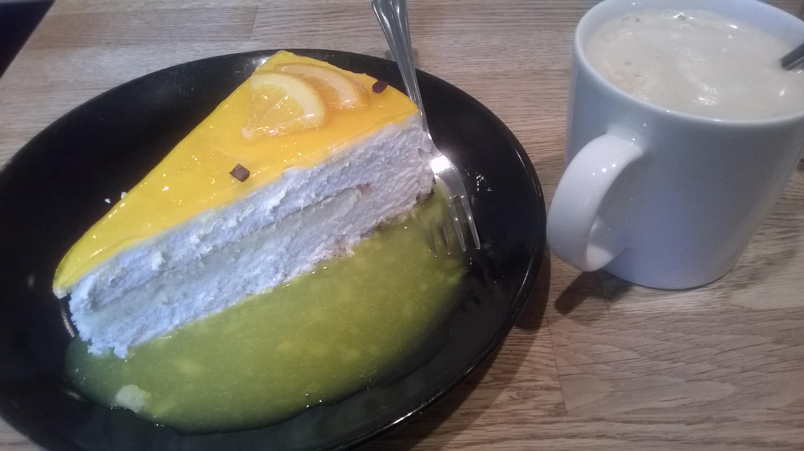 Kaffila, Tampere: Appelsiinikakku + kahvi