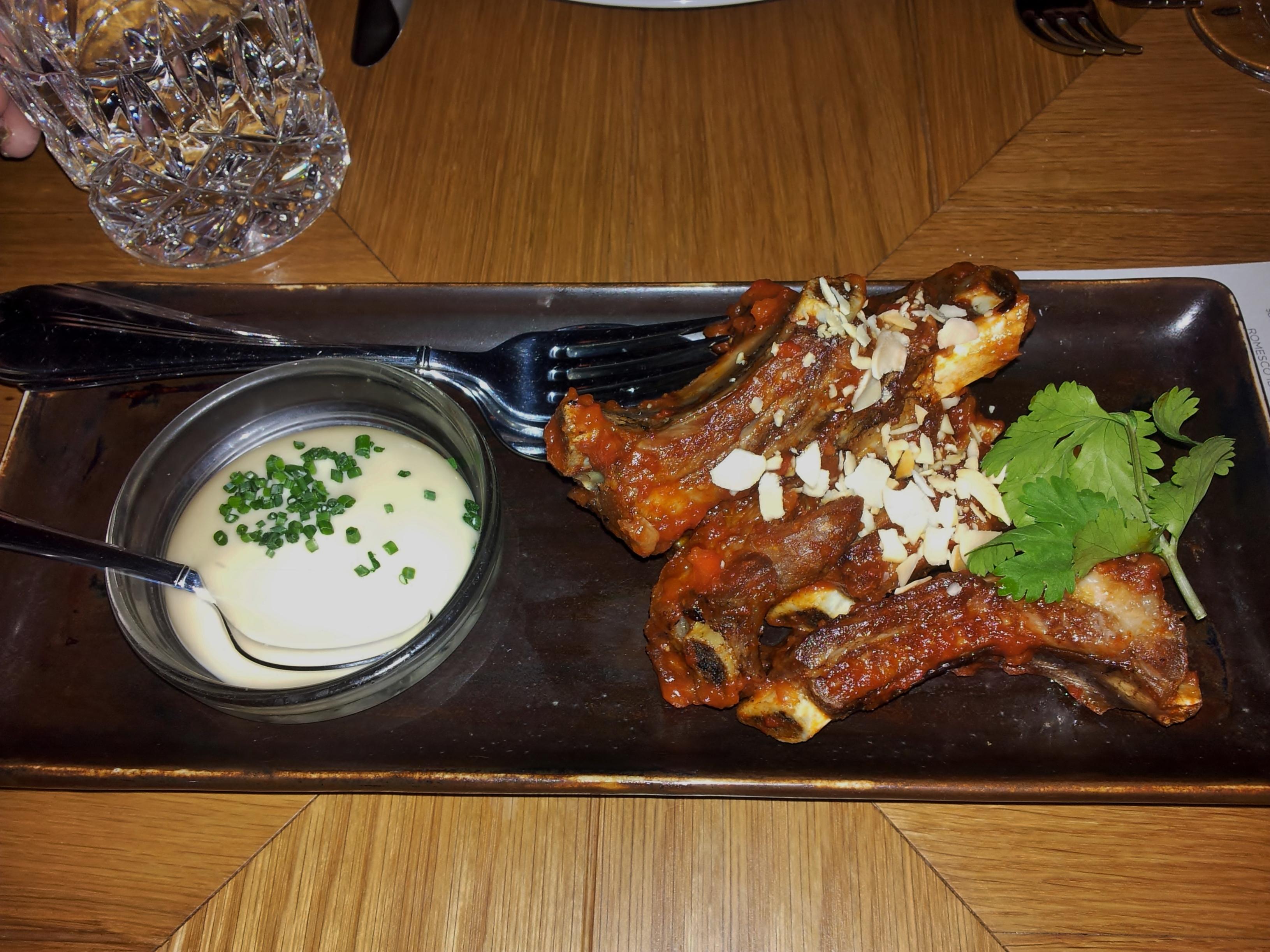 Ravintola Bronda, Helsinki: Romesco iberico ribs & almond salad