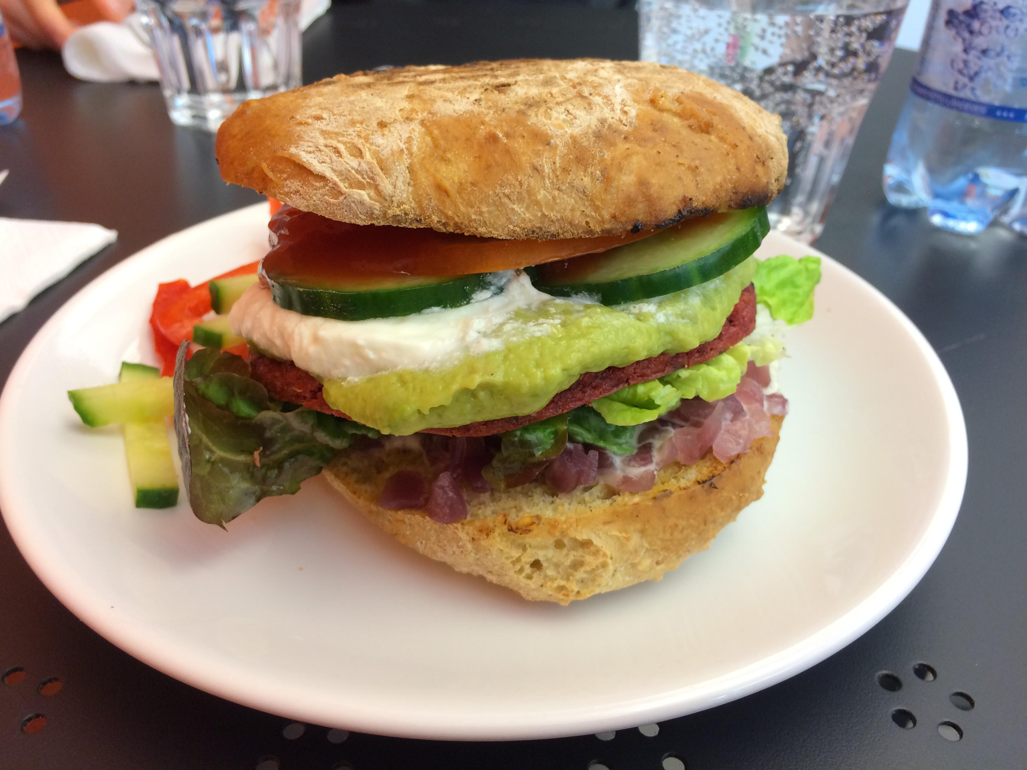 VegeMAX - Riihimäki, Riihimäki: Beetroot Burger