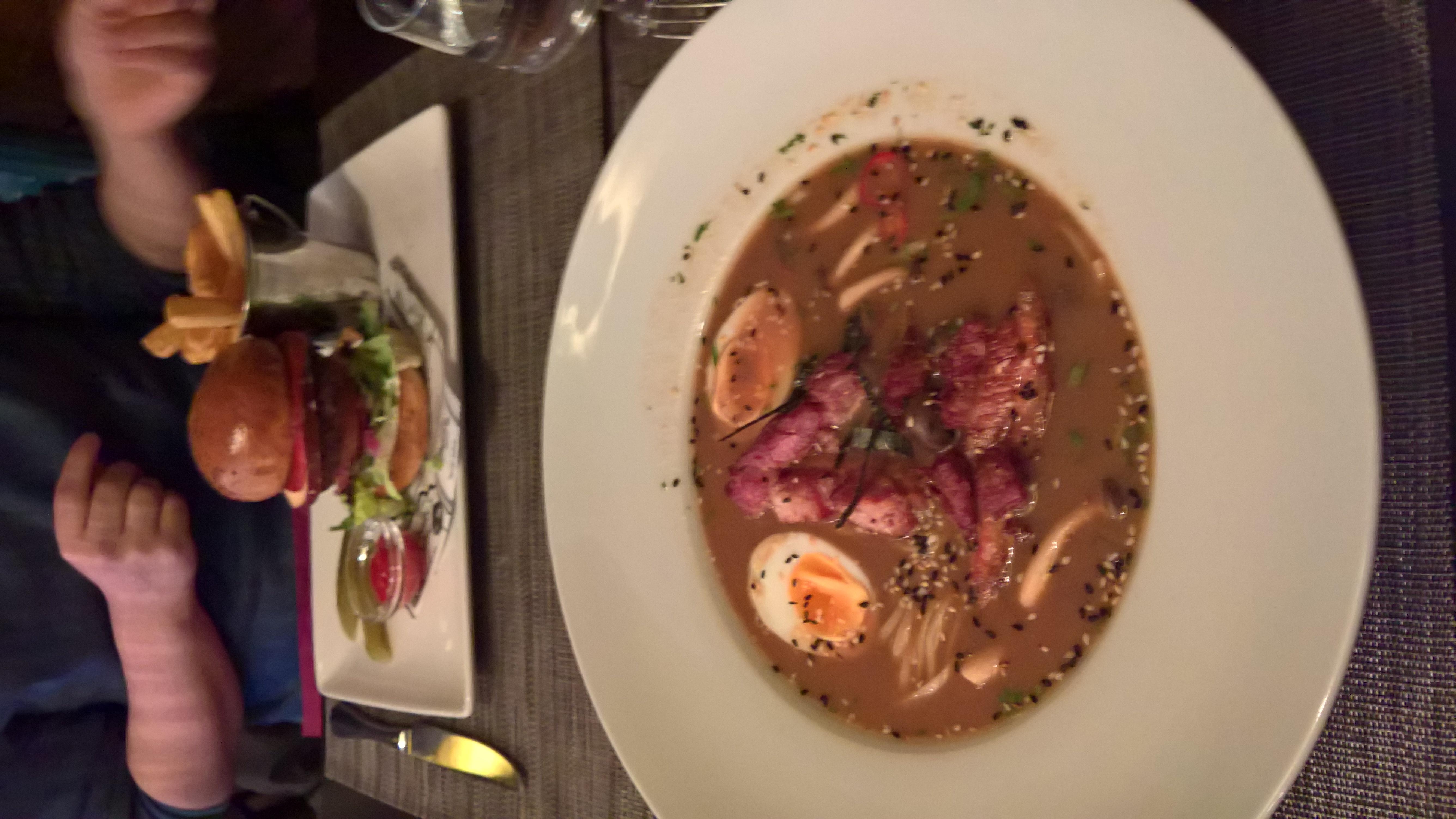 Ravintola Huvila, Järvenpää: Ramen + purilainen