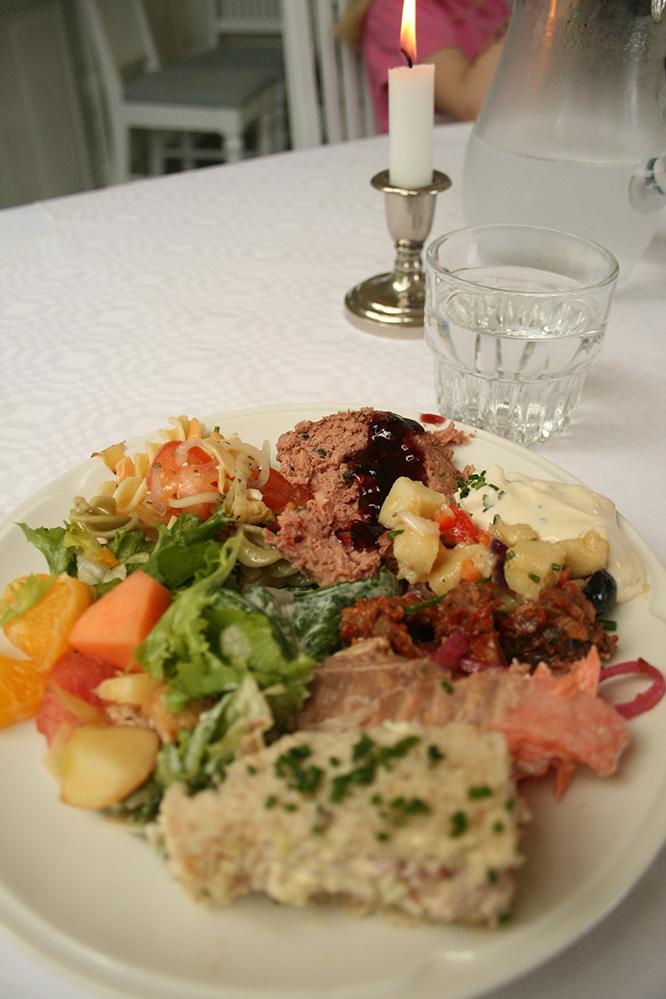 Puotilan kartano, Helsinki: Ensimmäinen buffetlautasellinen