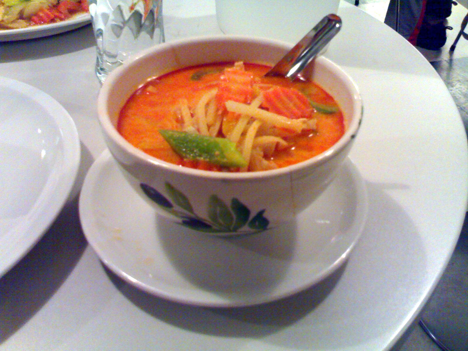 Sport Hampuris, Helsinki: punainen currykana kookosmaidolla