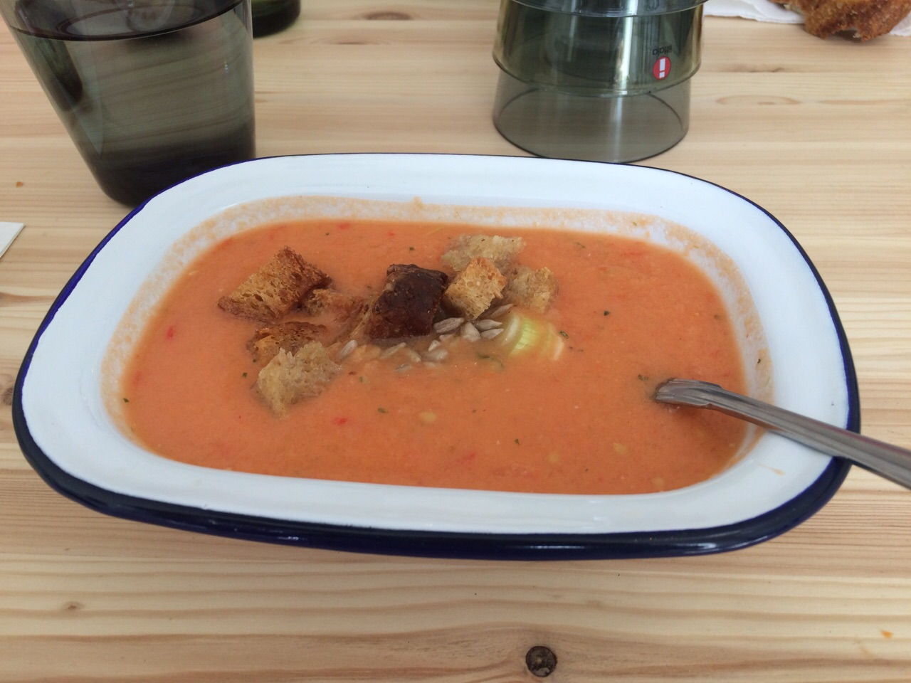 SOUP, Helsinki: tomaatti-paprikagazpacho