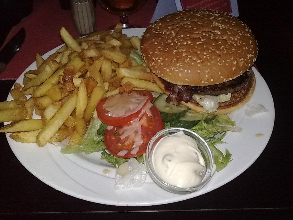Morrison's Grill & Green, Helsinki: BBQ Bacon hampurilainen