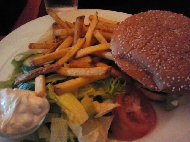 Morrison's Grill & Green, Helsinki: Vuohenjuusto-burger