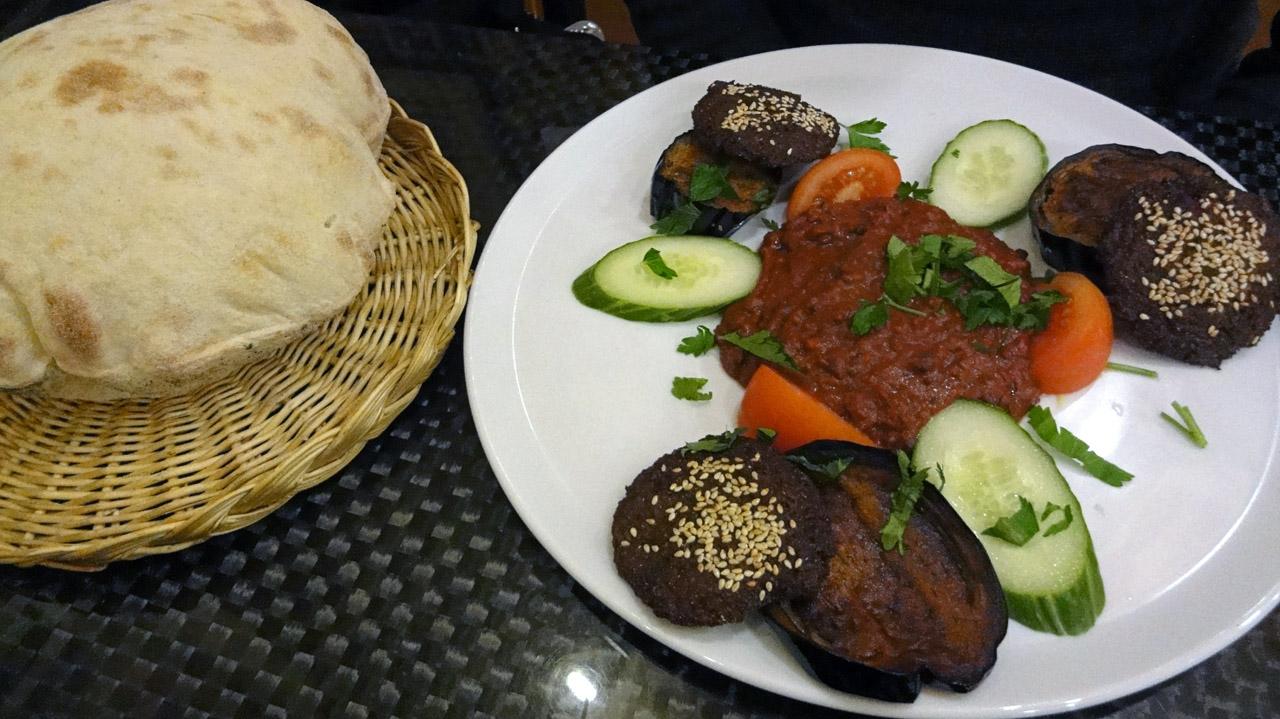 El Karim, Helsinki: Fuul & Munakoiso & Falafel