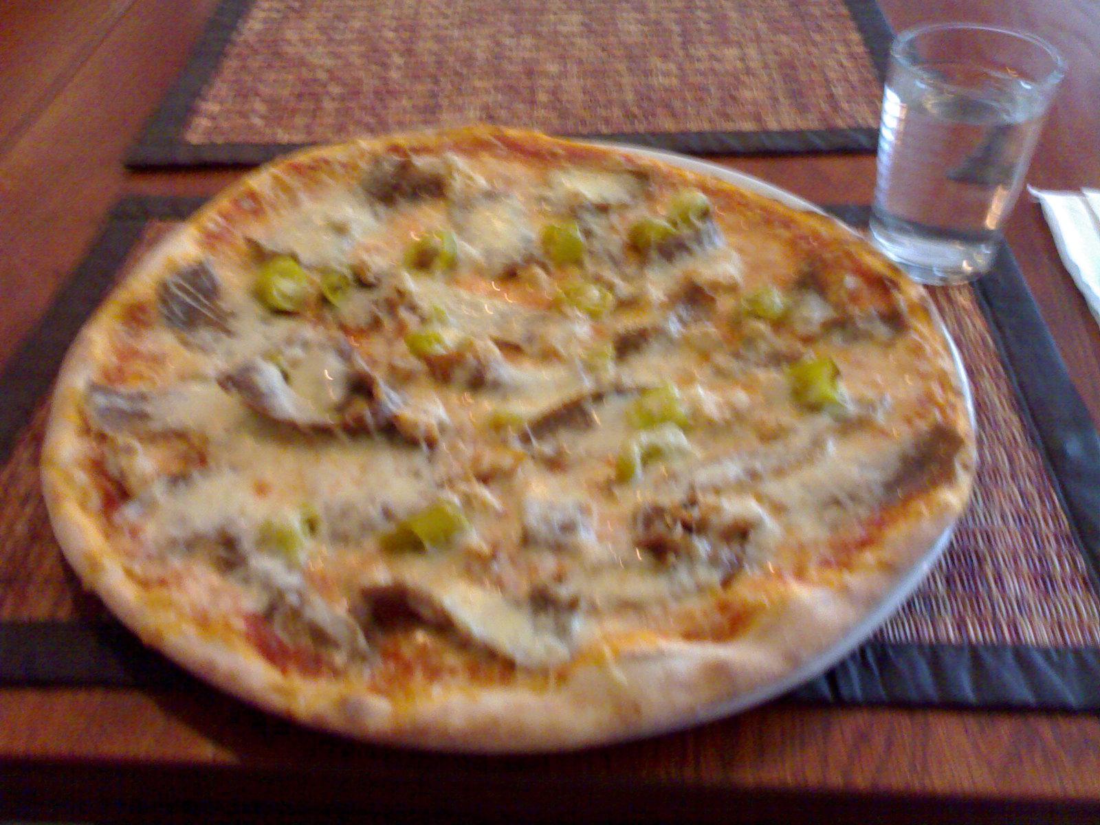 Pizzeria Parmesan, Helsinki: kana, kebab, vihreä chili, tuplajuusto