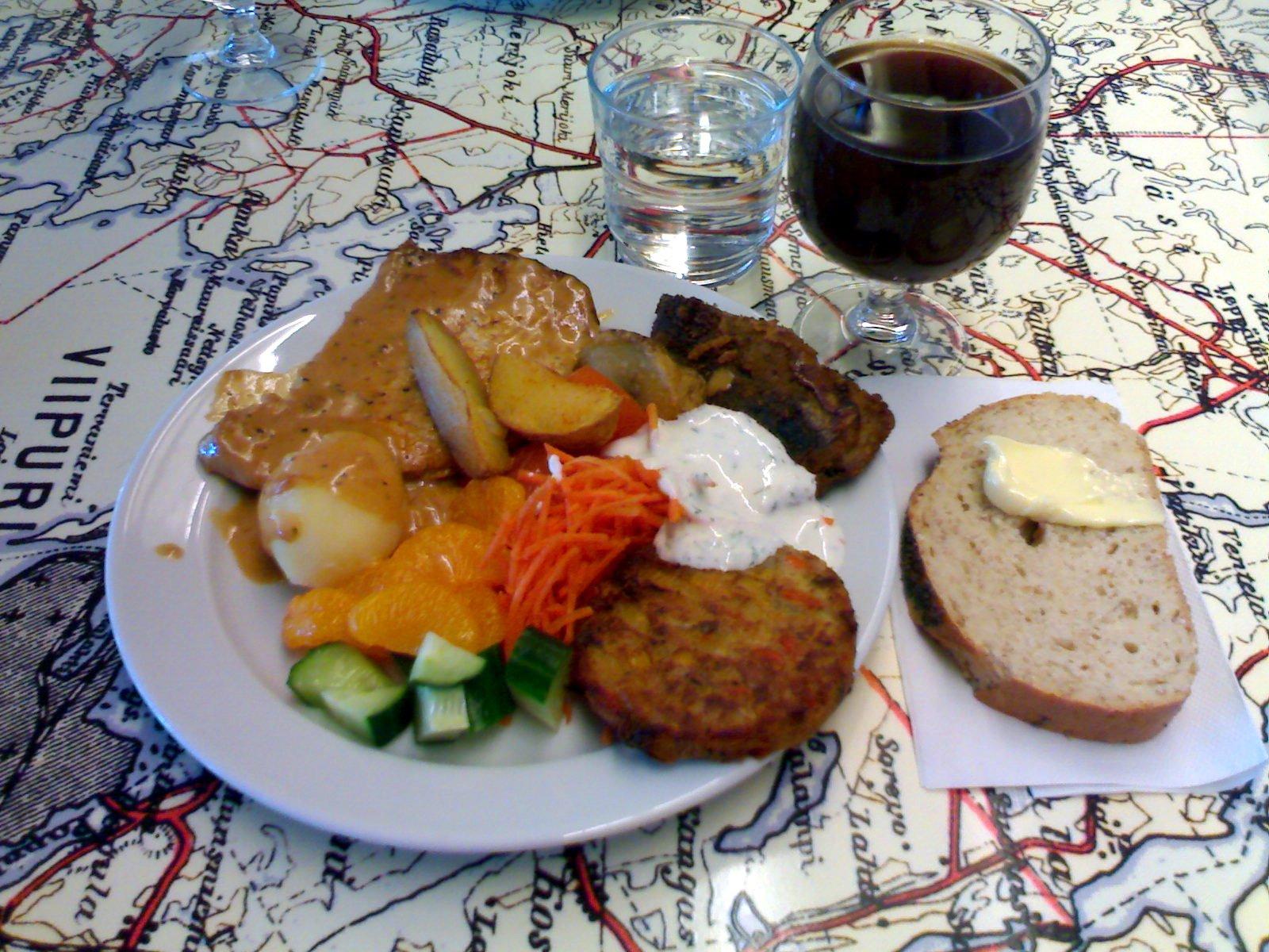 Ravintola Karelia, Helsinki: lounaspöydän antimia