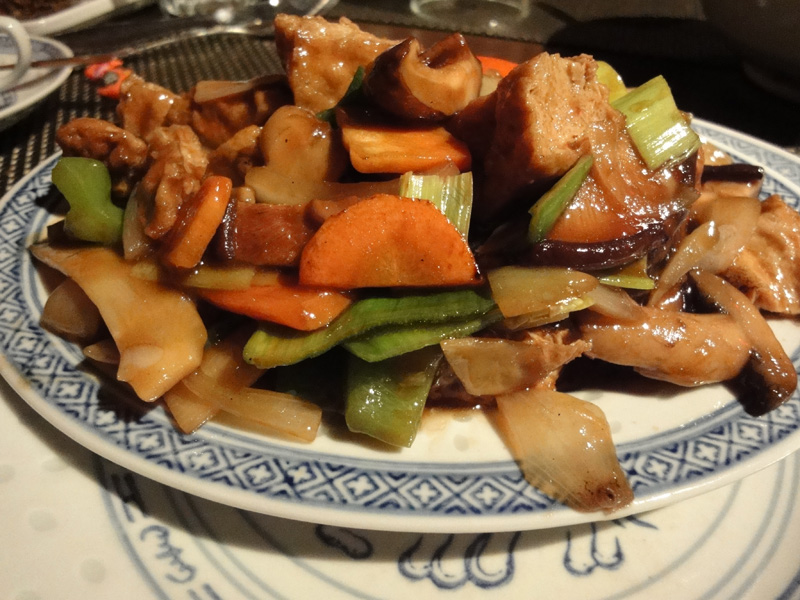 Ravintola Mr. Lau, Helsingfors: Tofua ja kiinalaisia sieniä