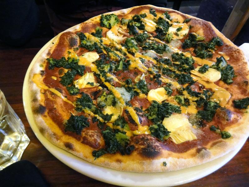 Ravintola Mäkikupla, Helsinki: Pizza Pinato (ilman juustoa)