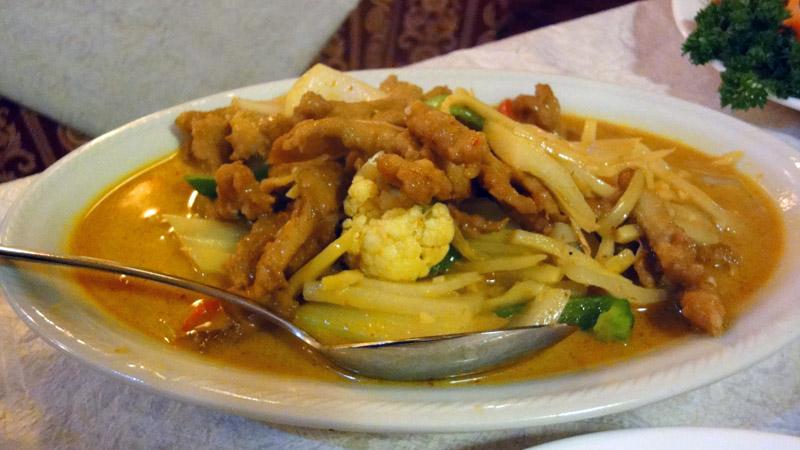 Punainen Omena, Helsinki: Porsasta thai-currykastikkeessa