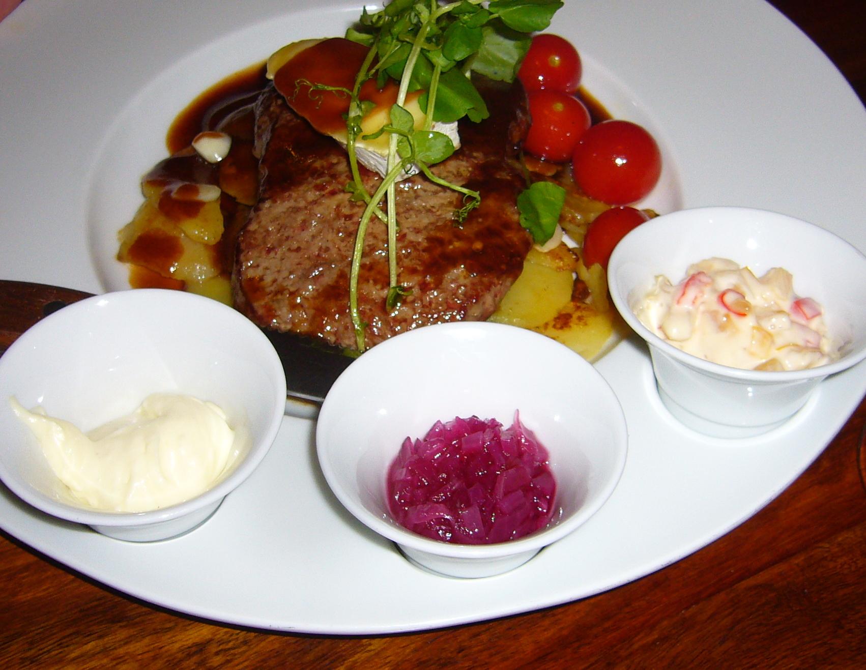 Kellariravintola Hällä, Hämeenlinna: Härkää kruununvuonna 2011