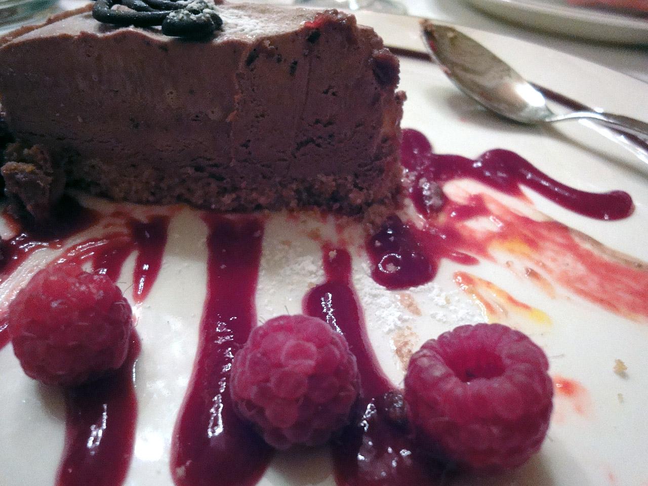Kosmos, Helsingfors: Suklaa-juustokakkua Nina Lincolnin tapaan