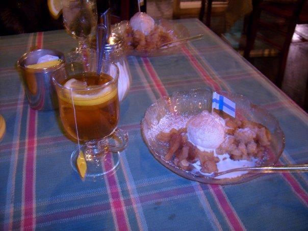 Ravintola Zetor, Helsinki: Omenapiirakkaa ja jäätelö