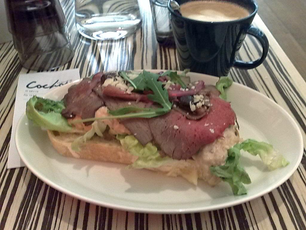La Société du Cochon, Helsinki: Vitello tonnato-leipä