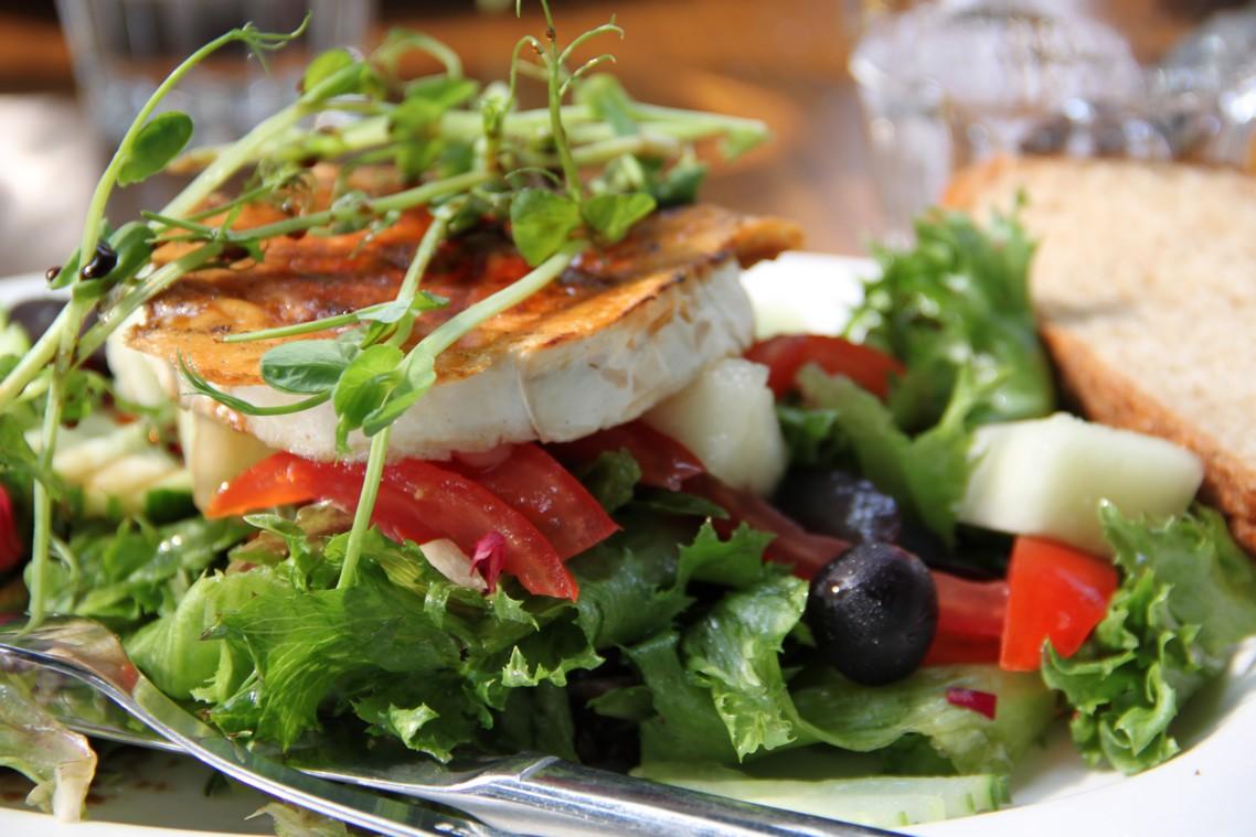 Naantalin Rantaravintola, Naantali: vuohenjuustosalaatti