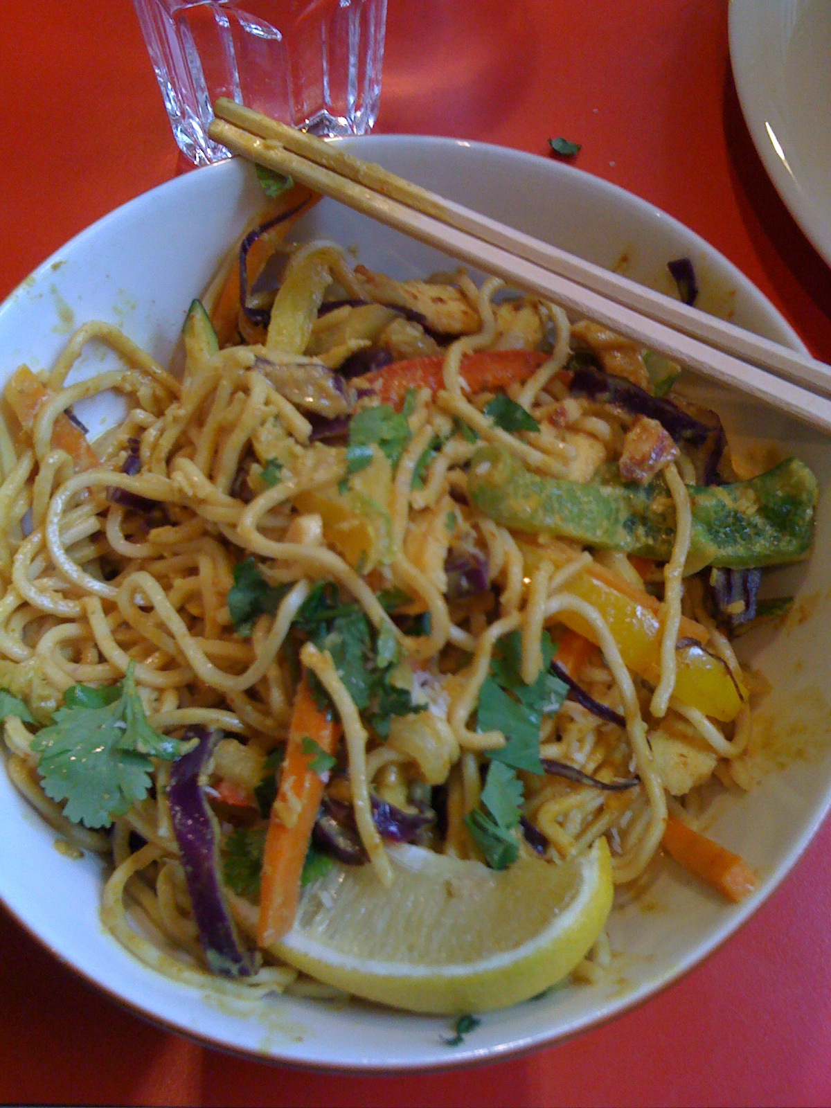 Cafe Bar No 9, Helsinki: Curry chicken noodles
