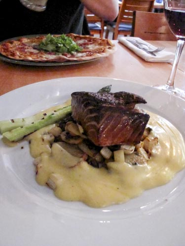 Trattoria Rivoletto, Helsinki: Smoked salmon with champagne hollandaise sauce