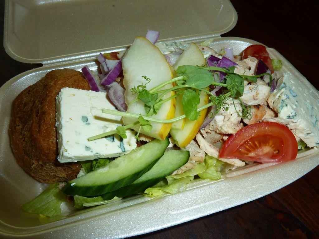 Bistro Venla, Tampere: KanaAura-Salaatti