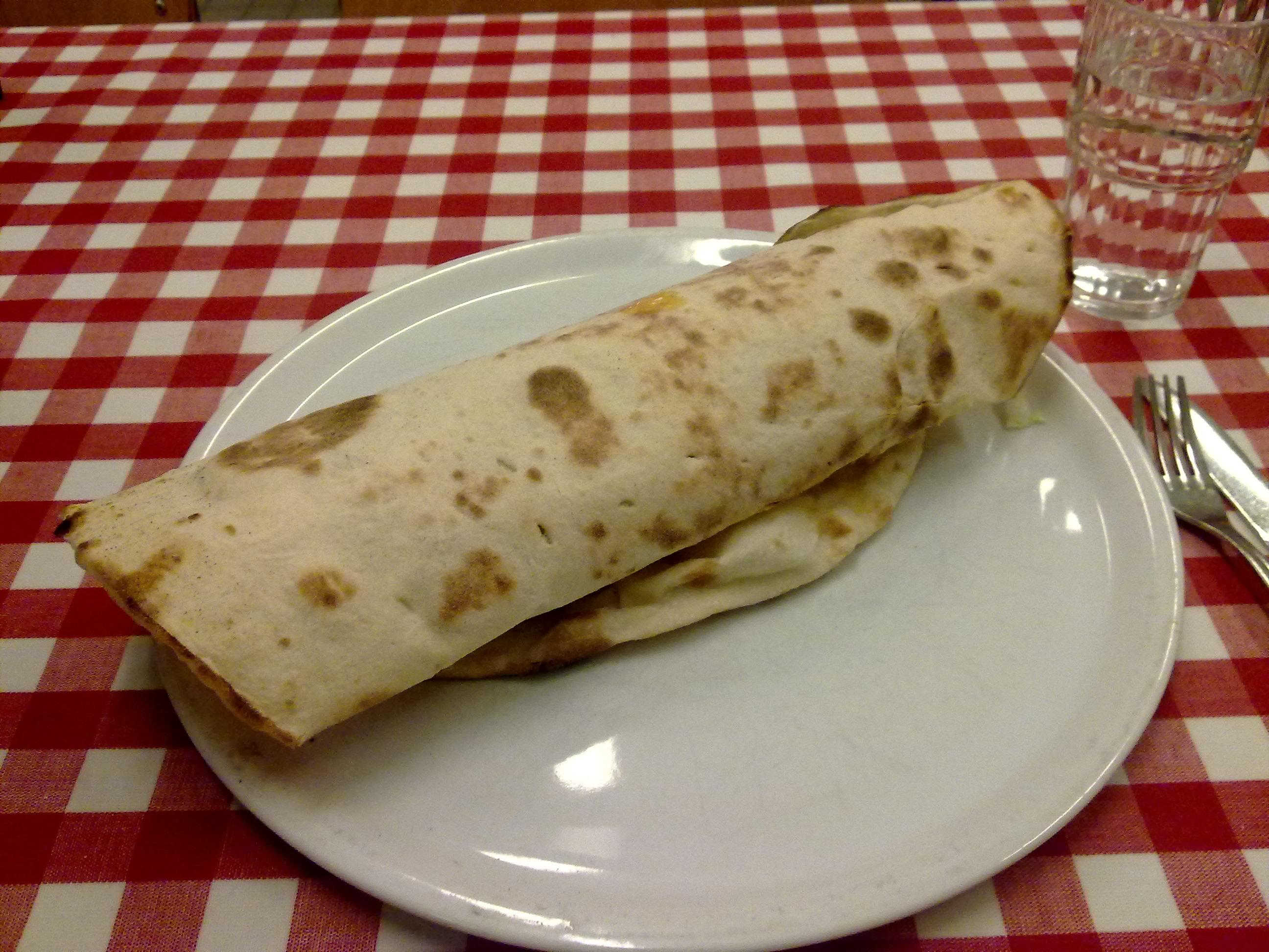 Pizzeria Kebab La Gare, Tampere: Kebab-rulla on erinomainen!