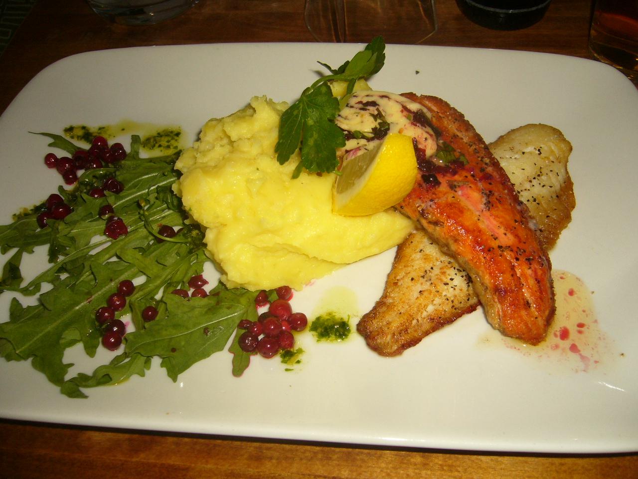 Ravintola blanko, Turku: paistettua lohta ja kuhaa