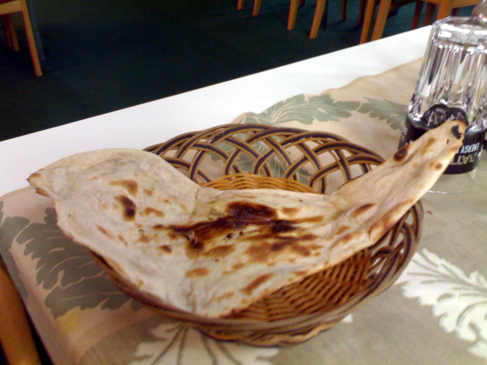 Peshawar Espoo, Espoo: naan-leipä