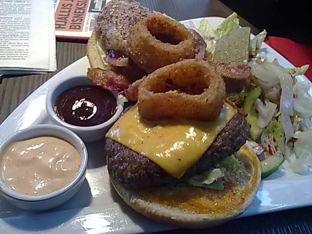 Memphis Kamppi, Helsinki: Open State Burger