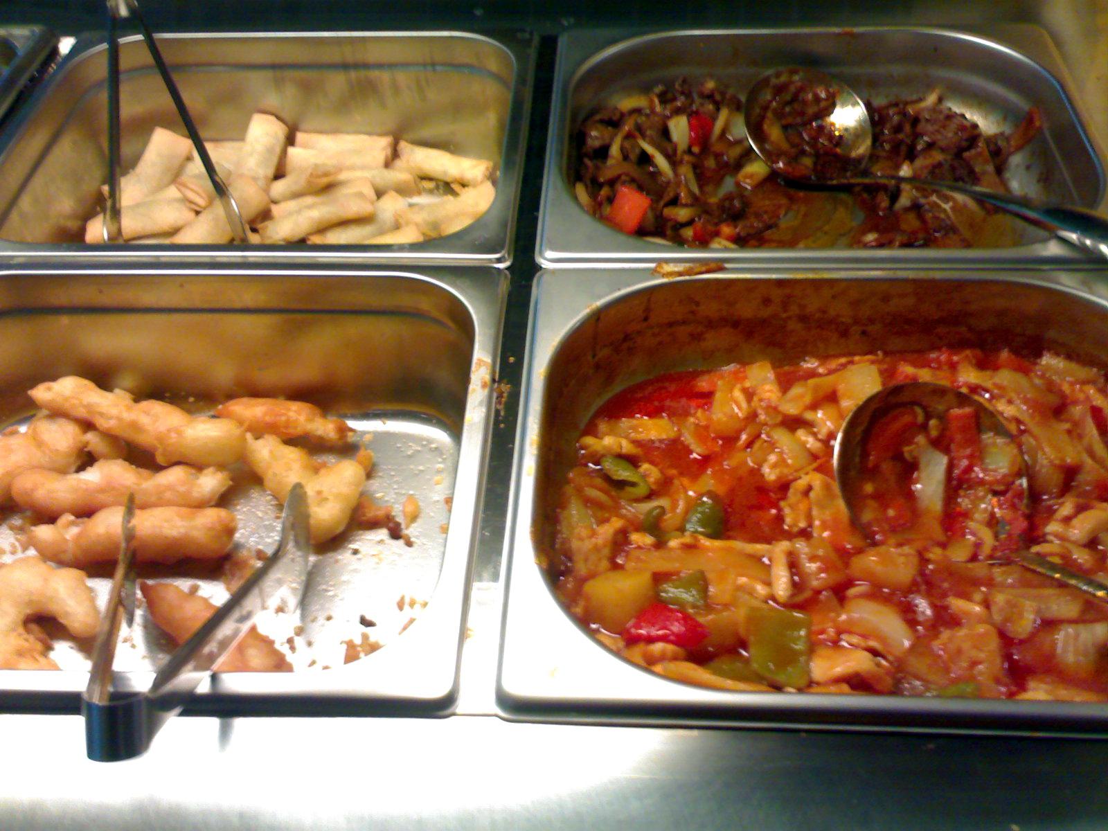 China Flavor, Helsingfors: kevätrullia, peking-nautaa, kalaa, ananas-kanaa