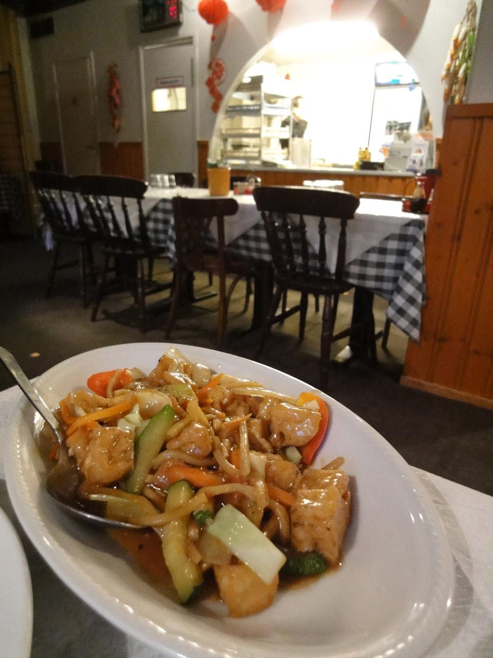 Xin Yuan, Helsingfors: Tofua ja vihanneksia