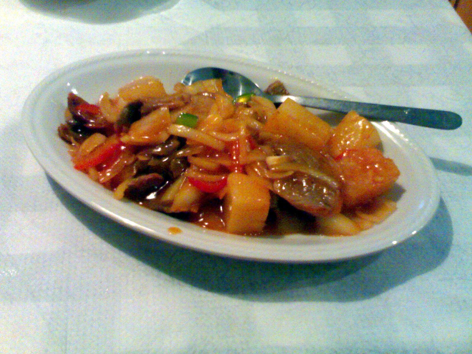 Xin Yuan, Helsingfors: Ankkaa ananaksella