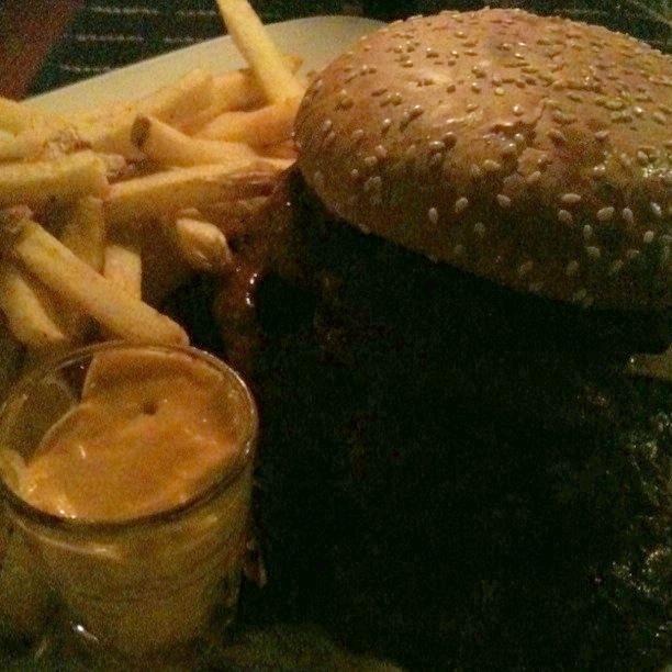 Gringos Locos Helsinki, Helsinki: Diablo Burger ja perunat