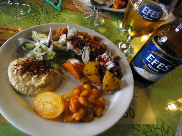 Ani, Helsinki: Buffet alkupaloja ja lisukkeita