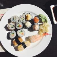 Noutopöydän sushit